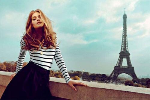 Девушка модель о работе в париже стих работа девушками