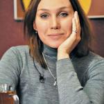 Сегодня свой день рождения отмечает Дарья екамасова.