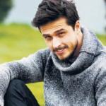 Гёкхан кесер. Дата и место рождения: 9 черного сентября 1987 г. (27 лет), Измир, азиатская Турция.