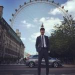 Айдол, который получил предложение работать моделью во время пребывания в Лондоне?