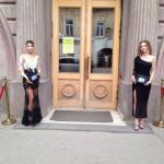 Сегодня в Саратове торжественно открыли выставку известного российского художника Никаса Сафронова.