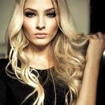 Алена Шишкова родилась 12 ноября 1992 года в городе Тюмень.