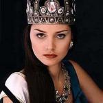 Александра Валерьевна Петрова - российская модель, победительница конкурса мисс Россия 1996 и других конкурсов красоты.