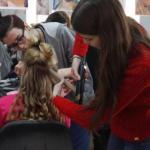 """9 февраля в кафе """"Амбар"""" состоялся показ моделей """"модная пятница"""", организованный модельным агентством """"Карина""""."""