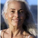 Ясмина росси (Yasmina Rossi) в свои 59 лет даже не думает о пенсии и продолжает работать моделью.
