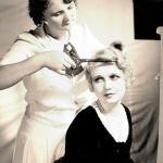 13 сентября у лиц, виртуозно владеющих ножницами и расческой, профессиональный праздник – День парикмахера.